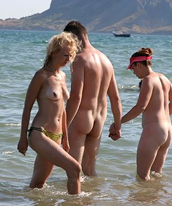 Candid nudists photos