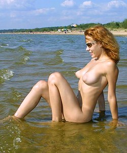 Natural nude beauty