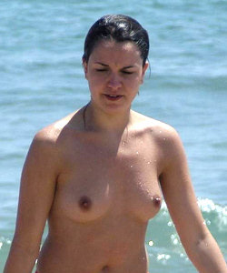 Sexy candid topless girls