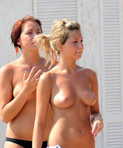 Party topless chicks