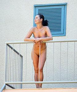 Nudist babe got sexy shoots