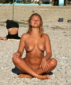 Great candid shots from nudist beach