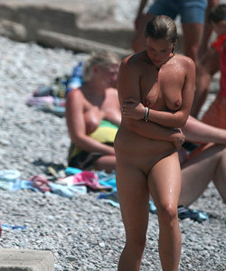 Wonderful topless babes on nude beach